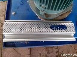Линия по изготовлению секционных металлических ворот в Китае