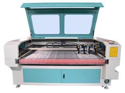 1610 лазер для резки ткани с автоматической с 4 головами