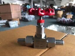 Продаю игольчатый клапан нержавеющий 15нж54бк муфтовый Ру 16